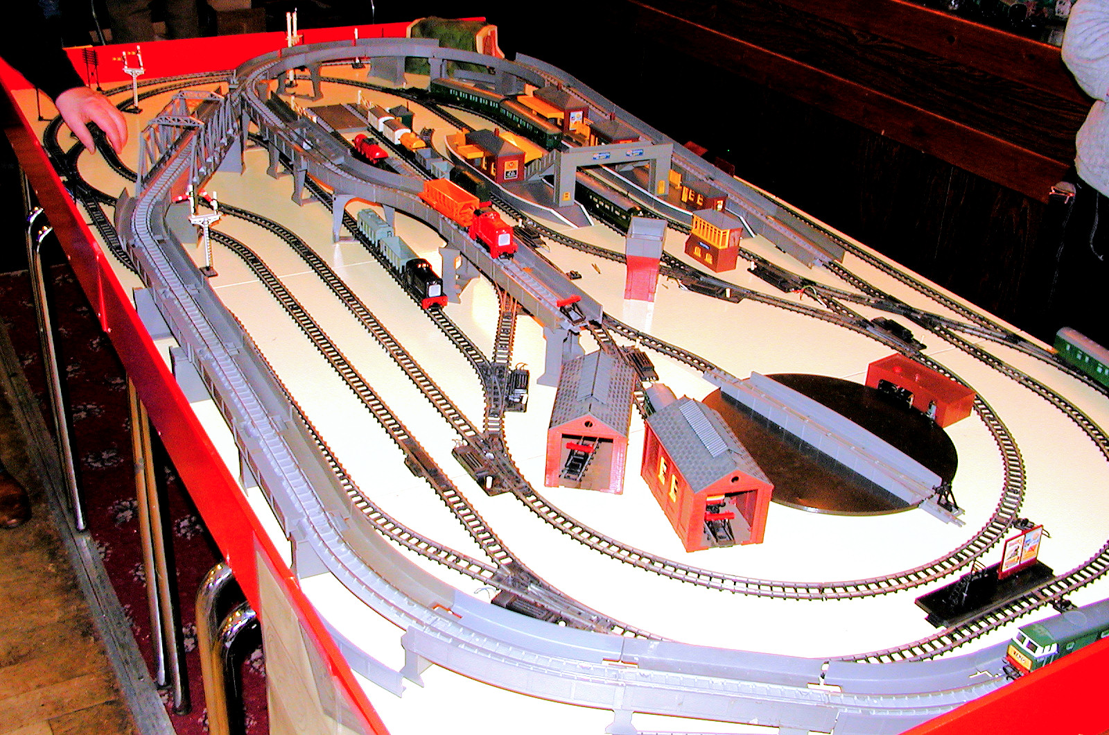 Ruud ter Neulen's Tri-ang layout at the Tri-ang Show Oxford 2007
